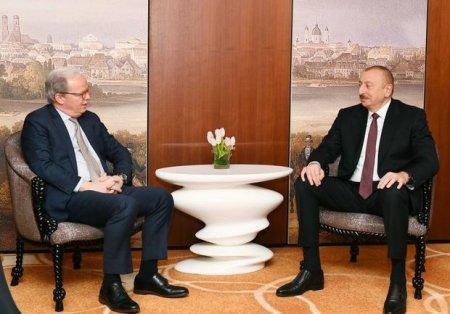 İlham Əliyev Dünya Bankının icraçı direktoru ilə görüşdü - FOTO